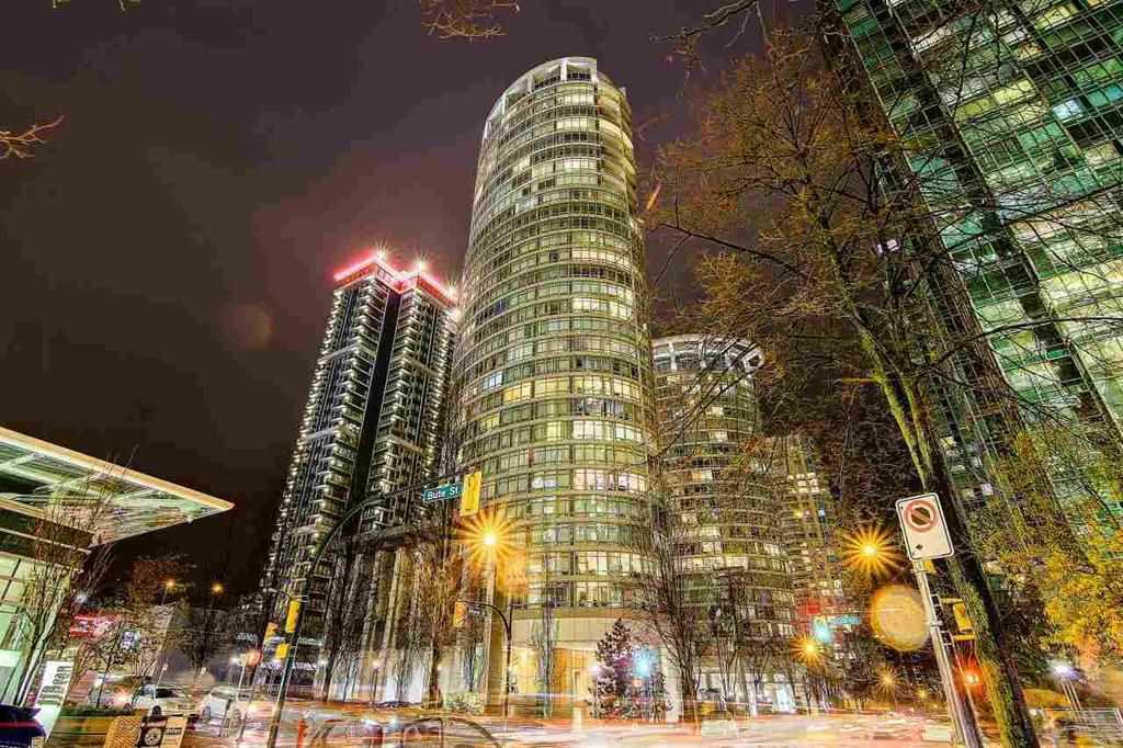 Main Photo: 902 1200 ALBERNI Street in Vancouver: West End VW Condo for sale (Vancouver West)  : MLS® # R2200659