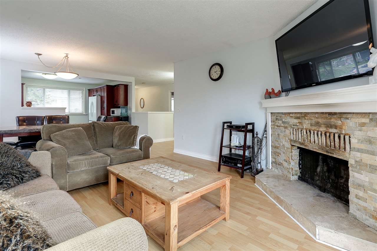 Main Photo: 2785 OXTOBY Place in Coquitlam: Ranch Park House for sale : MLS®# R2147191