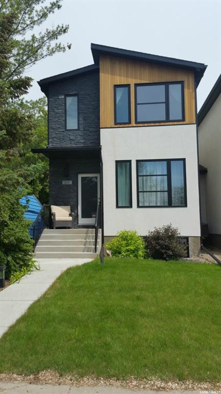 Main Photo: 2121 York Avenue in Saskatoon: Queen Elizabeth Residential for sale : MLS® # SK710369