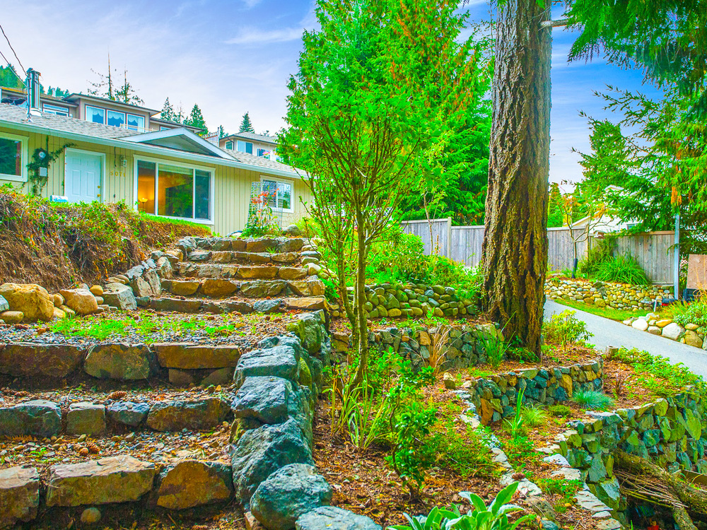 FEATURED LISTING: 5071 Hammond Bay Rd Nanaimo
