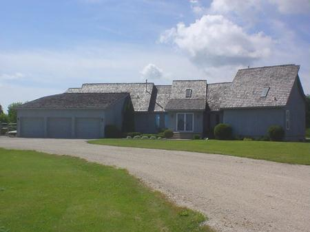Main Photo: 3 Poplar Avenue: Residential for sale (Beausejour)  : MLS®# 2712396
