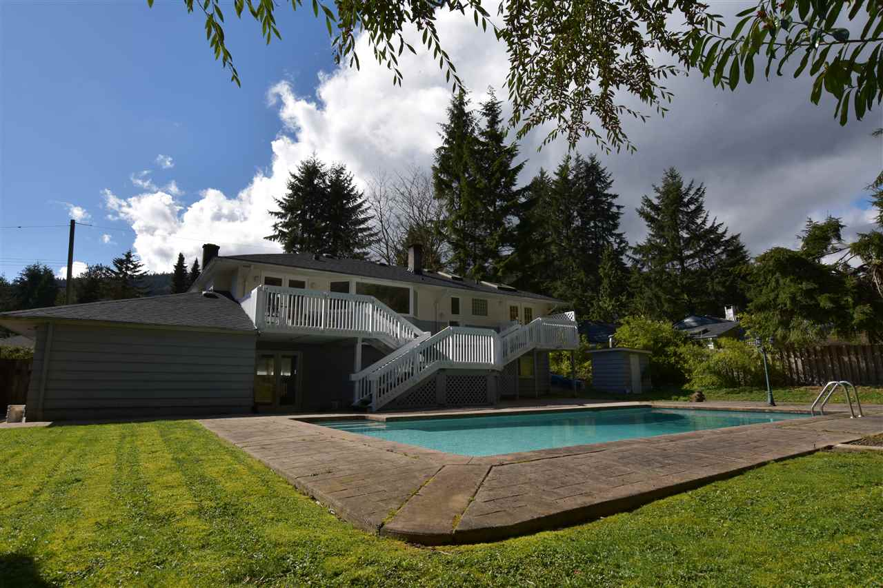 Main Photo: 39 GLENMORE Drive in West Vancouver: Glenmore House for sale : MLS® # R2193653
