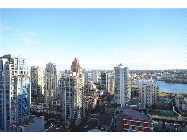 Main Photo: # 2505 1325 ROLSTON ST in : Downtown VW Condo for sale : MLS® # V1039505