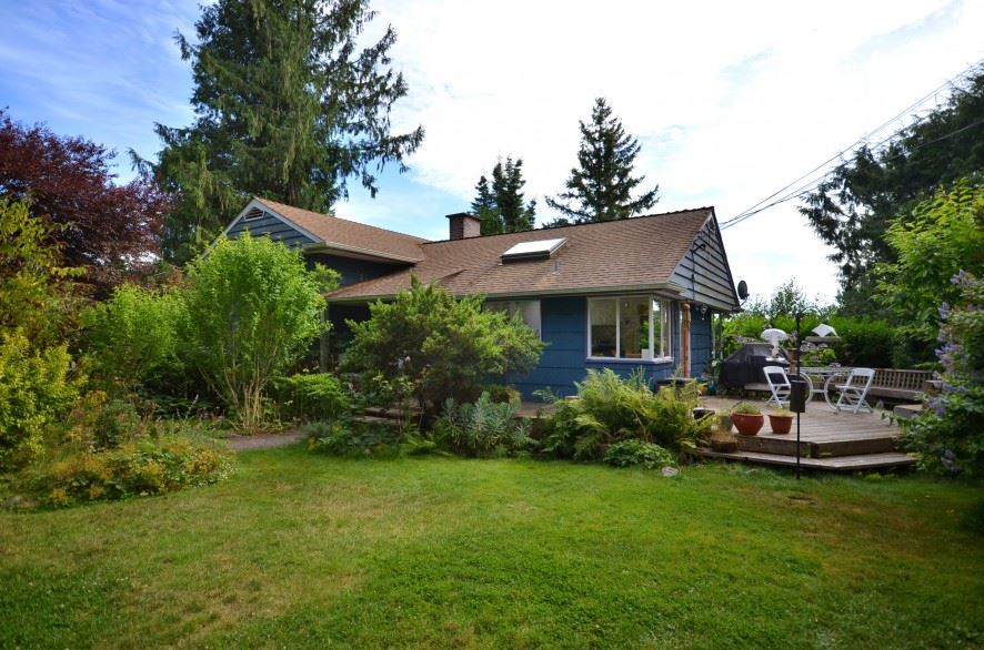 Main Photo: 6594 ROSEBERY Avenue in West Vancouver: Horseshoe Bay WV House for sale : MLS(r) # R2173836