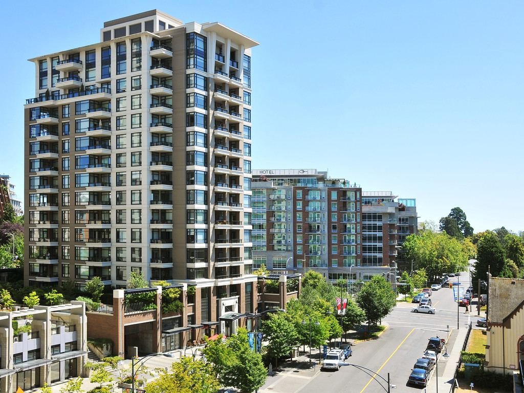 Main Photo: 304 788 Humboldt Street in VICTORIA: Vi Downtown Condo Apartment for sale (Victoria)  : MLS® # 383085