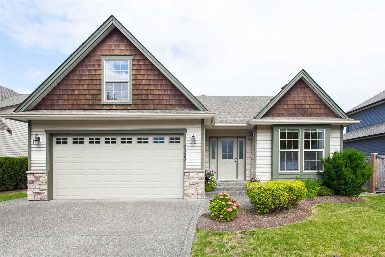 "Main Photo: 2009 MCCAFFREY Road: Agassiz House for sale in ""Aberdeen Village"" : MLS®# R2077731"