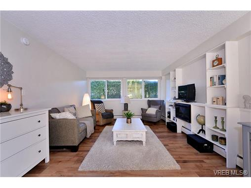 Main Photo: 110 777 Cook Street in VICTORIA: Vi Downtown Condo Apartment for sale (Victoria)  : MLS® # 371898