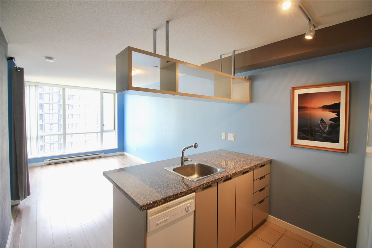 "Main Photo: 1503 1082 SEYMOUR Street in Vancouver: Downtown VW Condo for sale in ""FREESIA"" (Vancouver West)  : MLS® # R2207372"