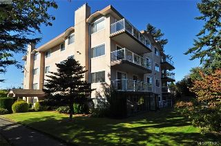 Main Photo: 402 2354 Brethour Avenue in SIDNEY: Si Sidney North-East Condo Apartment for sale (Sidney)  : MLS® # 384043