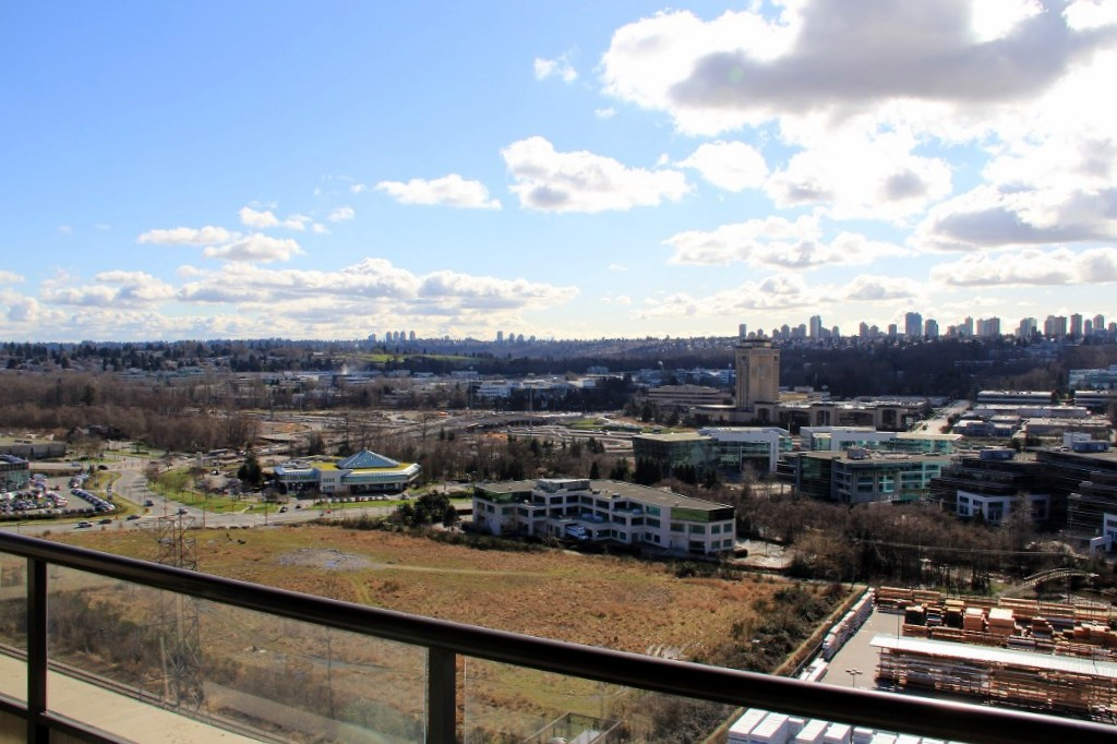 Photo 3: 2002 2355 Madison Avenue in Burnaby: Brentwood Park Condo for sale (Burnaby North)