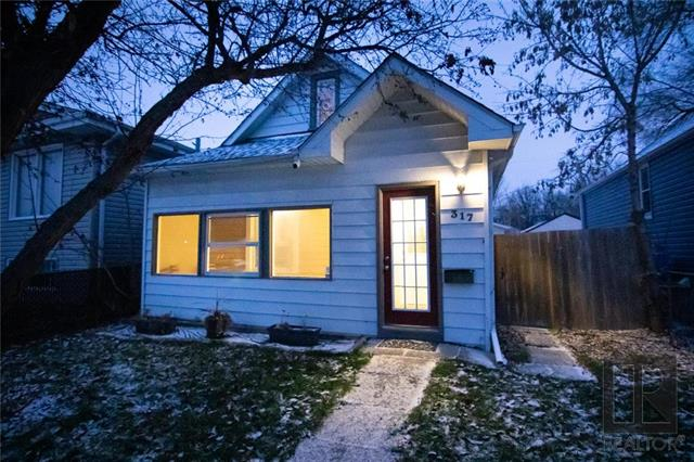 FEATURED LISTING: 317 PARKVIEW Street Winnipeg
