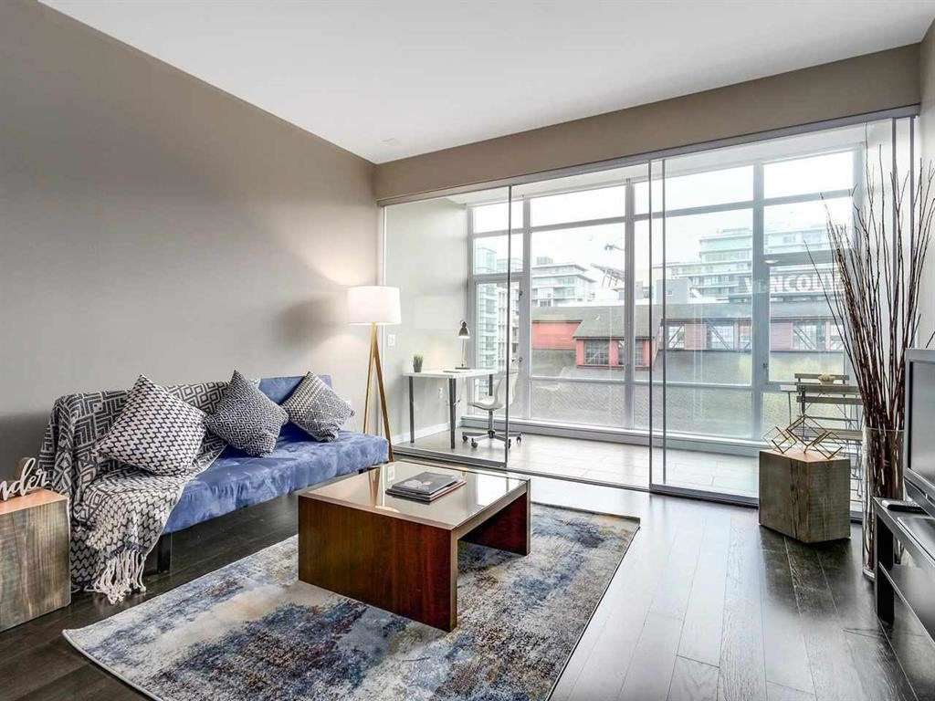 Main Photo: 305 123 W 1ST AVENUE in Vancouver: False Creek Condo for sale (Vancouver West)  : MLS® # R2193386