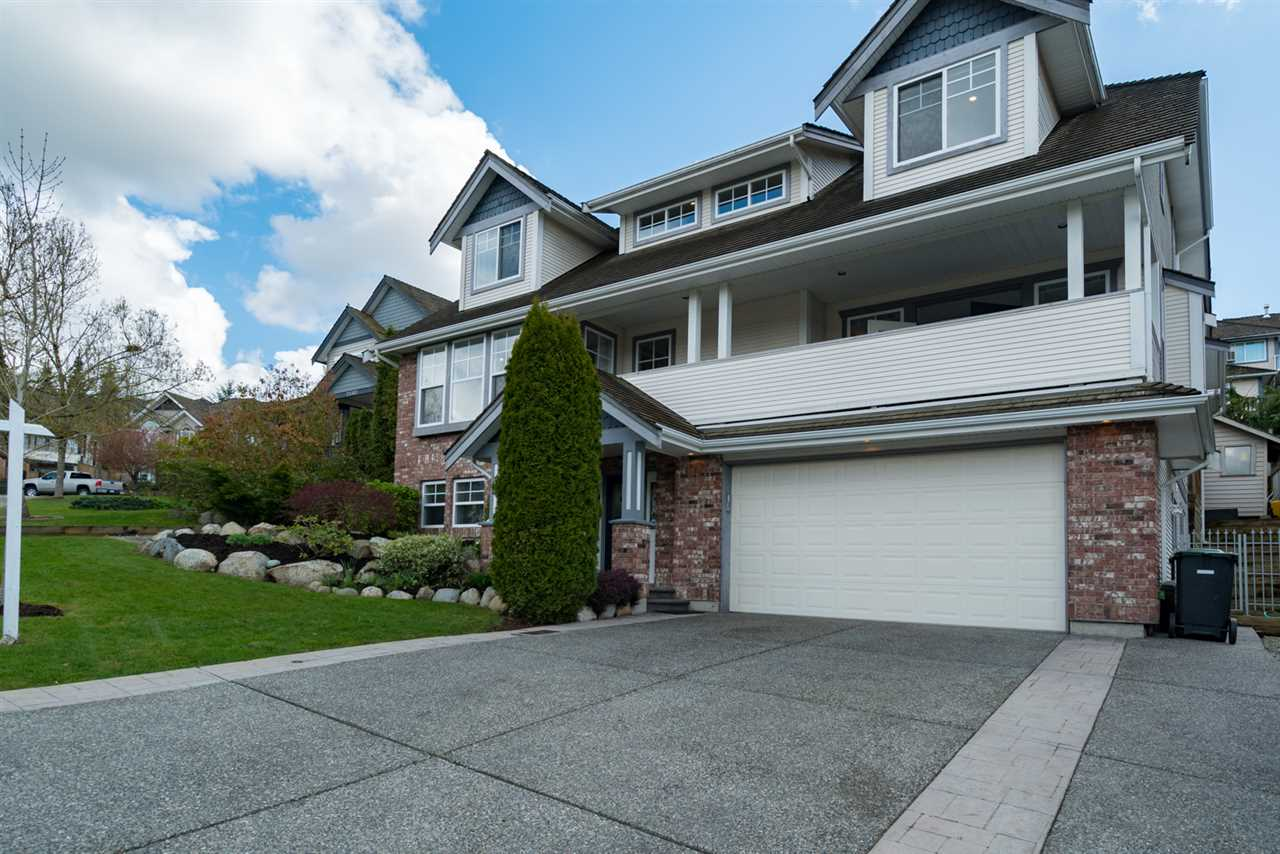 "Main Photo: 21652 47A Avenue in Langley: Murrayville House for sale in ""MURRAYVILLE"" : MLS®# R2157676"