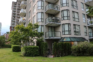 Main Photo: 201 838 AGNES Street in New Westminster: Downtown NW Condo for sale : MLS(r) # R2179080