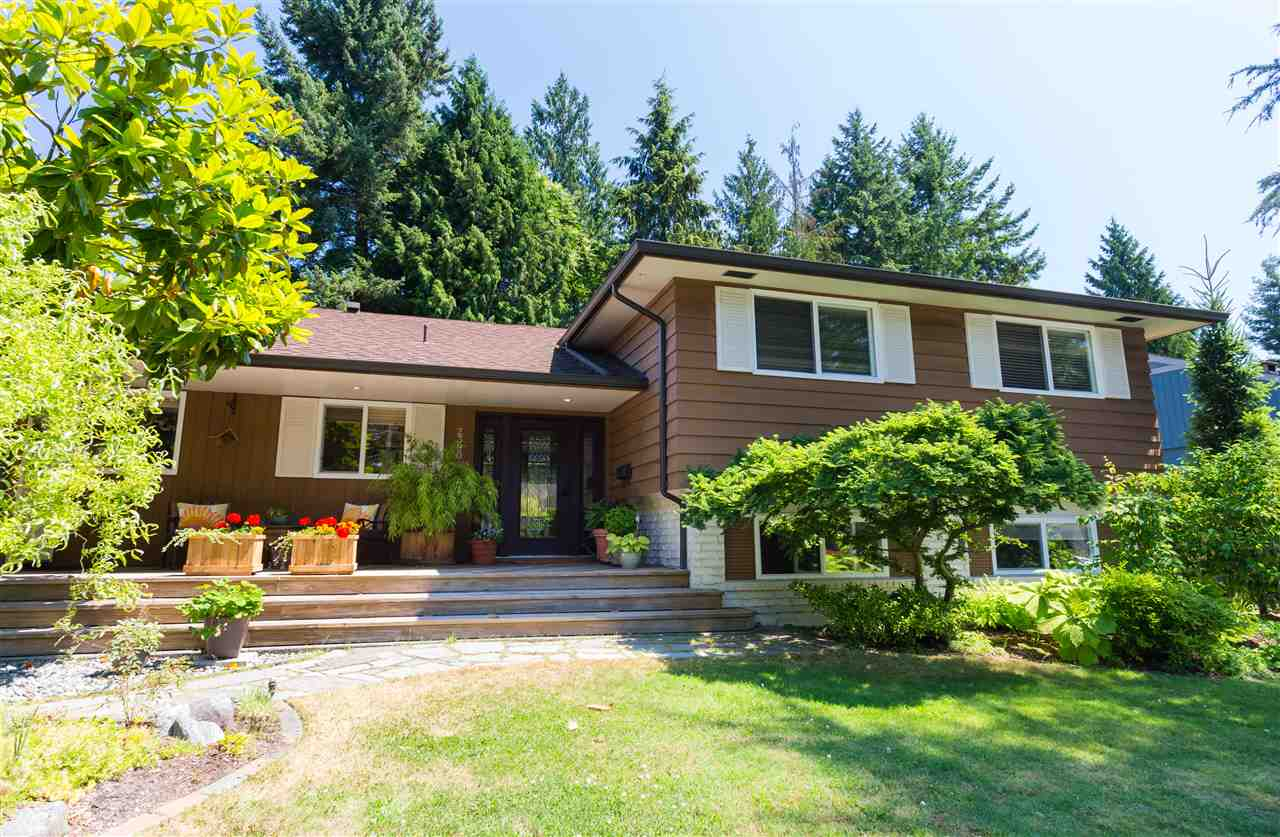 Main Photo: 2390 KILMARNOCK Crescent in North Vancouver: Westlynn Terrace House for sale : MLS(r) # R2188636