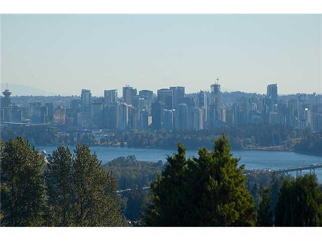 Main Photo: 701 EYREMOUNT Drive in West Vancouver: British Properties House for sale : MLS® # V925262