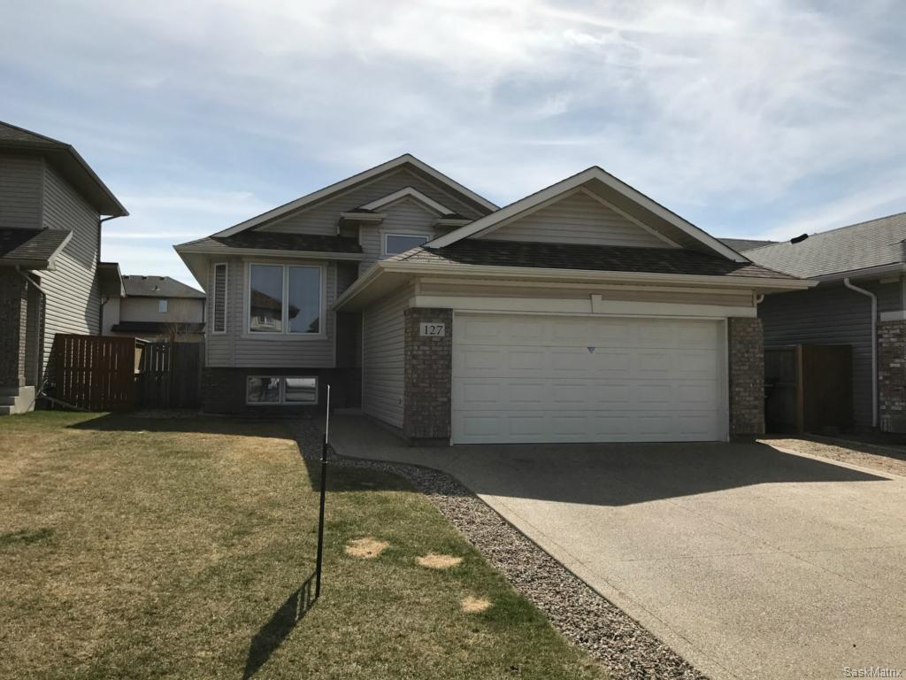 Main Photo: 127 Borlase Cove in Saskatoon: Stonebridge Residential for sale : MLS® # SK607201