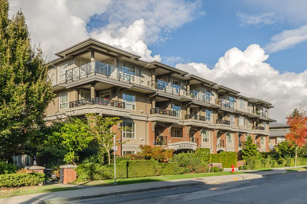 FEATURED LISTING: 401 15357 17A Avenue Surrey