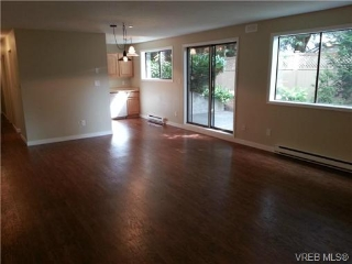 Main Photo: 104 1217 Pandora Avenue in VICTORIA: Vi Downtown Condo Apartment for sale (Victoria)  : MLS® # 329543