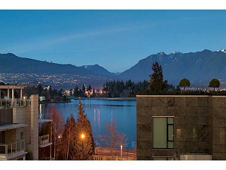 "Main Photo: 1125 W CORDOVA Street in Vancouver: Coal Harbour Townhouse for sale in ""HARBOUR GREEN 3"" (Vancouver West)  : MLS®# V1041476"