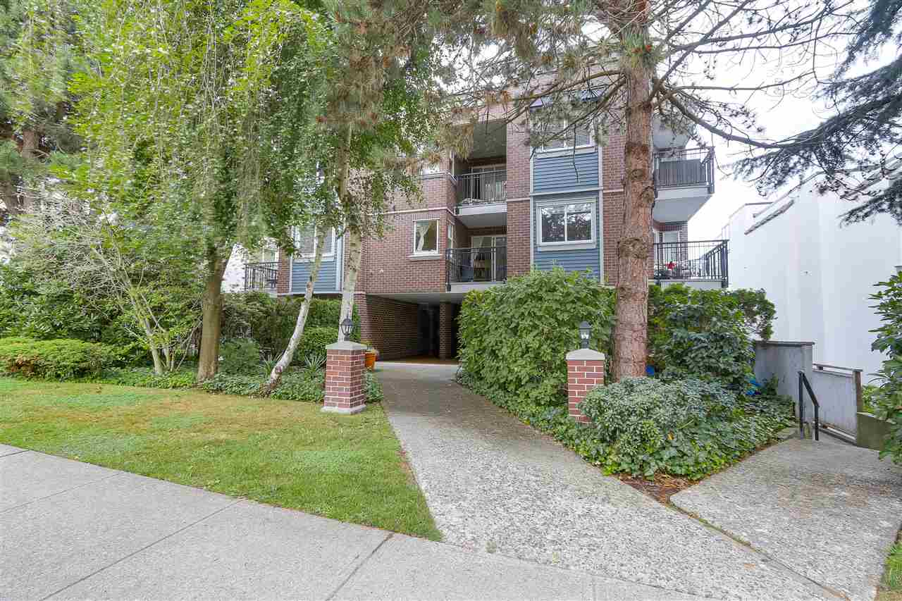 "Main Photo: 103 2239 W 1ST Avenue in Vancouver: Kitsilano Condo for sale in ""OCEAN GARDENS"" (Vancouver West)  : MLS® # R2208843"