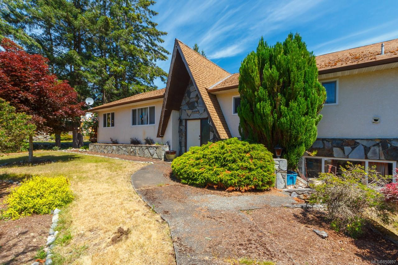 FEATURED LISTING: 4781 Cordova Bay Rd