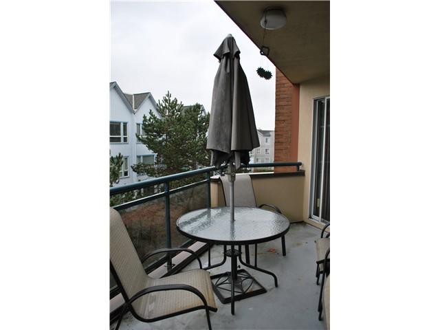 "Photo 13: 305 8600 LANSDOWNE Road in Richmond: Brighouse Condo for sale in ""TIFFANY GARDENS"" : MLS® # V1051180"