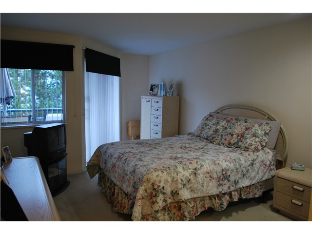 "Photo 9: 305 8600 LANSDOWNE Road in Richmond: Brighouse Condo for sale in ""TIFFANY GARDENS"" : MLS® # V1051180"