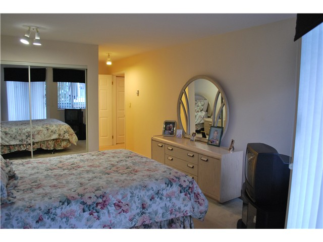 "Photo 10: 305 8600 LANSDOWNE Road in Richmond: Brighouse Condo for sale in ""TIFFANY GARDENS"" : MLS® # V1051180"