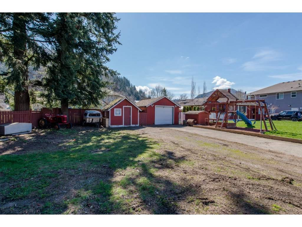 Main Photo: 45728 KEITH WILSON Road in Sardis: Vedder S Watson-Promontory House for sale : MLS®# R2152066