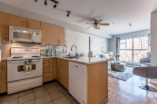 "Main Photo: 311 332 LONSDALE Avenue in North Vancouver: Lower Lonsdale Condo for sale in ""The Calypso"" : MLS® # R2214672"