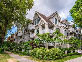 "Main Photo: 303 2755 MAPLE Street in Vancouver: Kitsilano Condo for sale in ""DAVENPORT"" (Vancouver West)  : MLS®# R2289214"