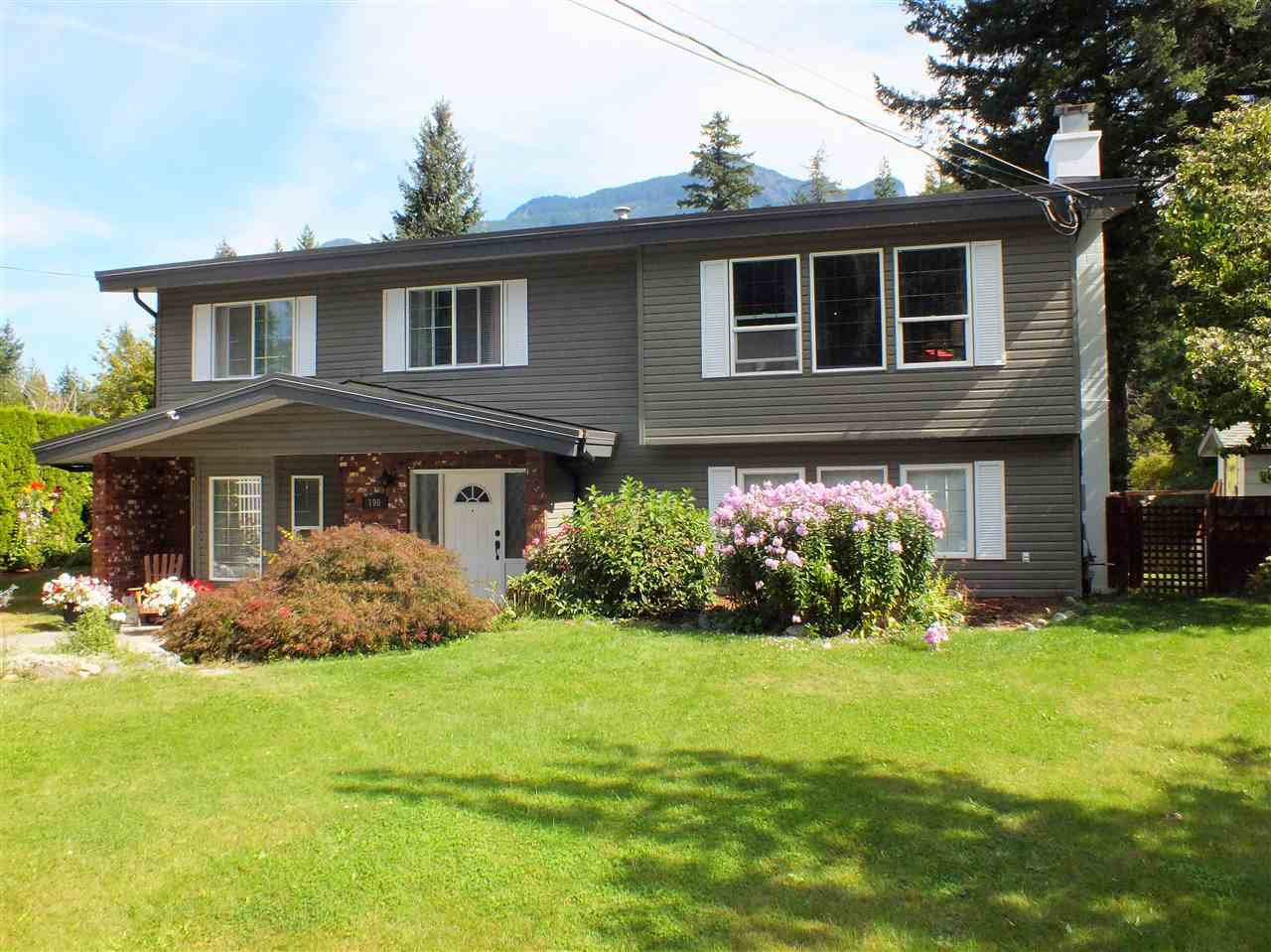 FEATURED LISTING: 190 ROBERTSON Crescent Hope