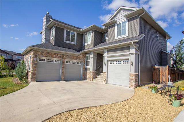 FEATURED LISTING: 702 CANOE Avenue Southwest Airdrie