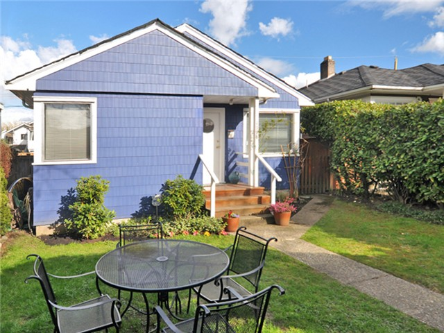 Main Photo: 4998 PRINCE ALBERT Street in Vancouver: Fraser VE House for sale (Vancouver East)  : MLS®# V1057034