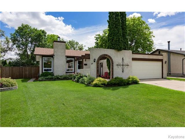 Main Photo: 36 Syracuse Crescent in Winnipeg: Fort Garry / Whyte Ridge / St Norbert Residential for sale (South Winnipeg)  : MLS® # 1617343