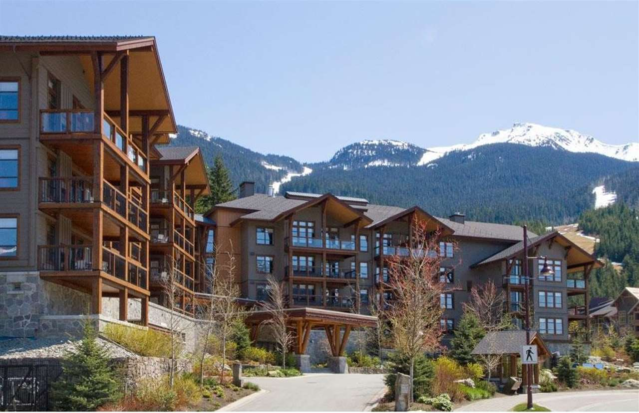 "Main Photo: 404A 2020 LONDON Lane in Whistler: Whistler Creek Condo for sale in ""EVOLUTION/WHISTLER CREEK"" : MLS®# R2178802"