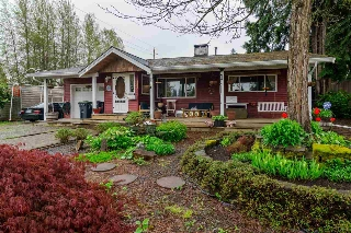 "Main Photo: 9046 QUEEN Street in Langley: Fort Langley House for sale in ""Fort Langley"" : MLS® # R2162520"