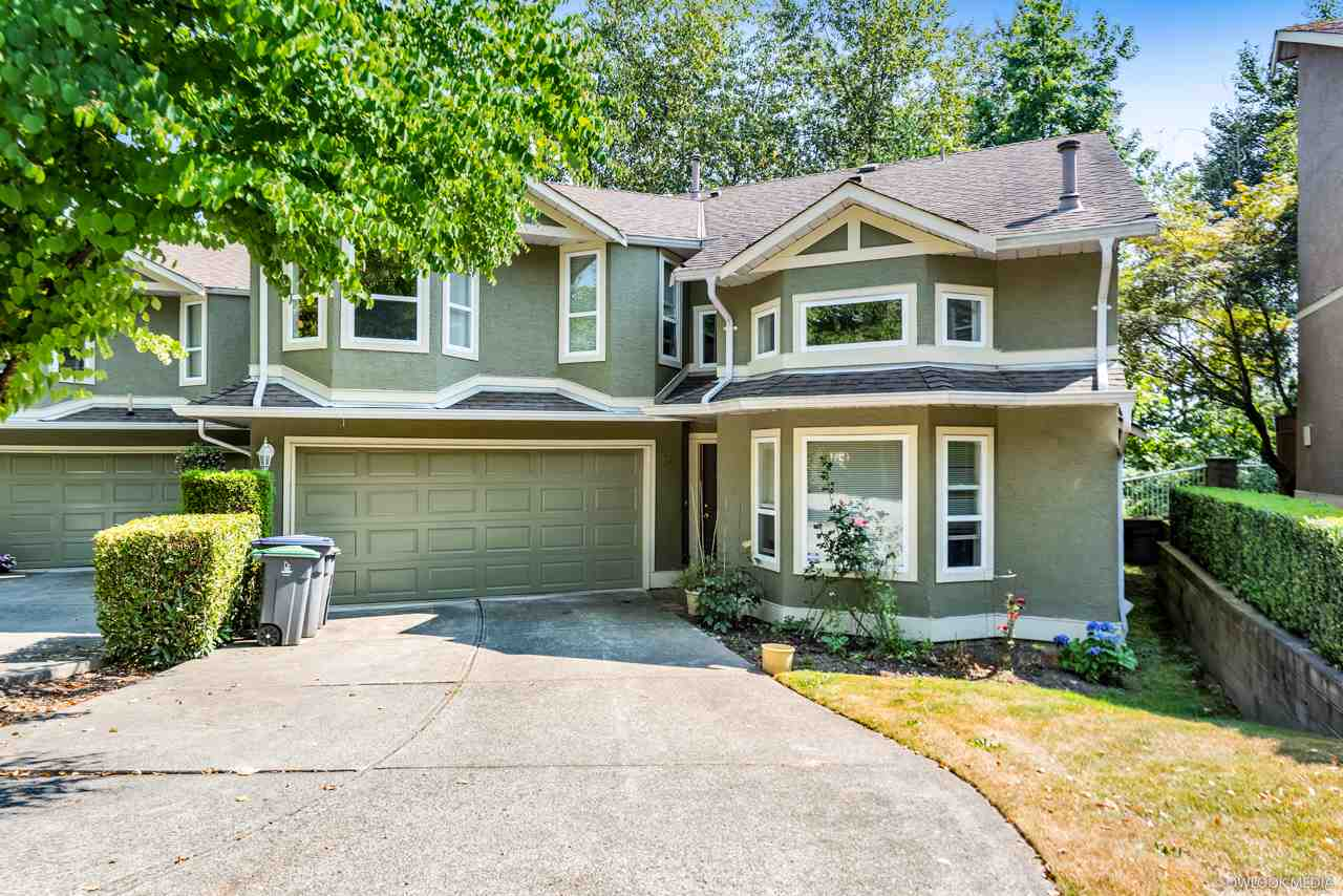 Main Photo: 58 16061 85 Avenue in Surrey: Fleetwood Tynehead Townhouse for sale : MLS®# R2293688