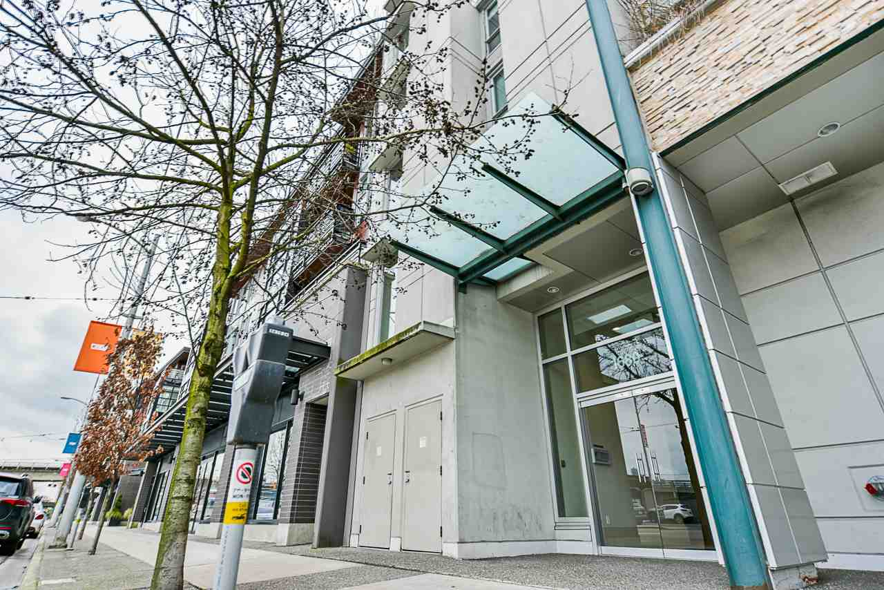 FEATURED LISTING: 309 - 1680 4TH Avenue West Vancouver