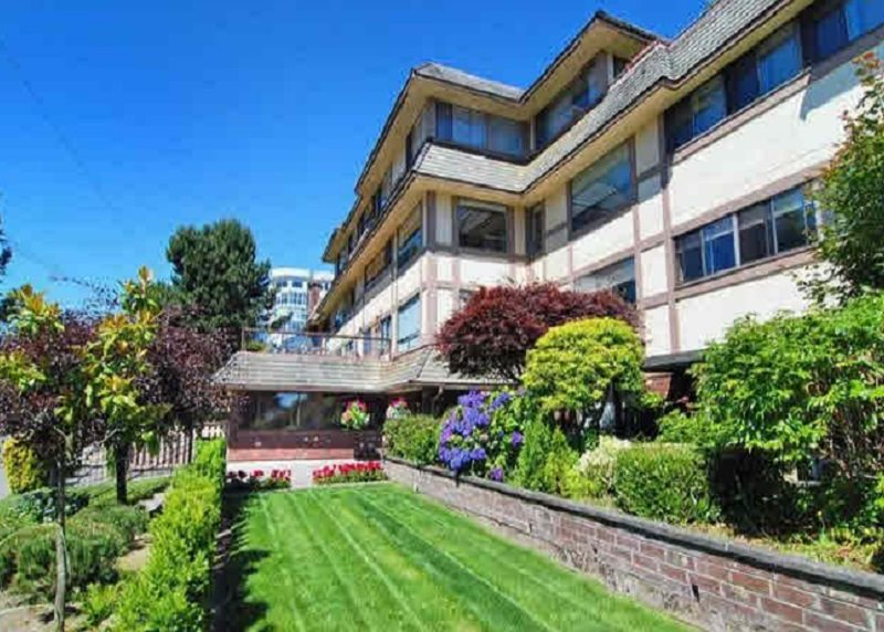 "Main Photo: 202 1368 FOSTER Street: White Rock Condo for sale in ""Kingfisher"" (South Surrey White Rock)  : MLS®# R2042311"