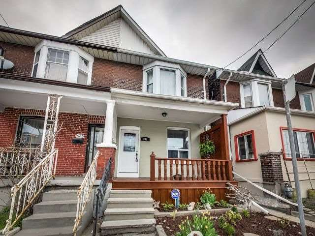 Main Photo: 581 Greenwood Avenue in Toronto: Greenwood-Coxwell House (2-Storey) for sale (Toronto E01)  : MLS®# E3489727