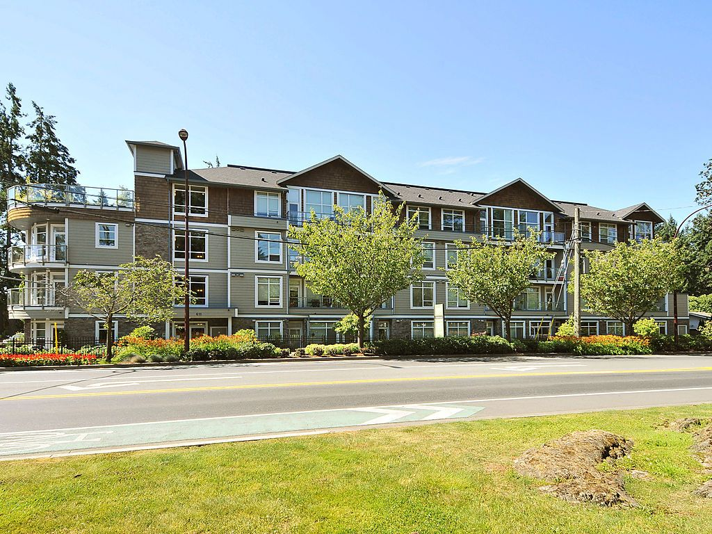 Main Photo: 201 611 Goldstream Avenue in VICTORIA: La Fairway Condo Apartment for sale (Langford)  : MLS® # 375397