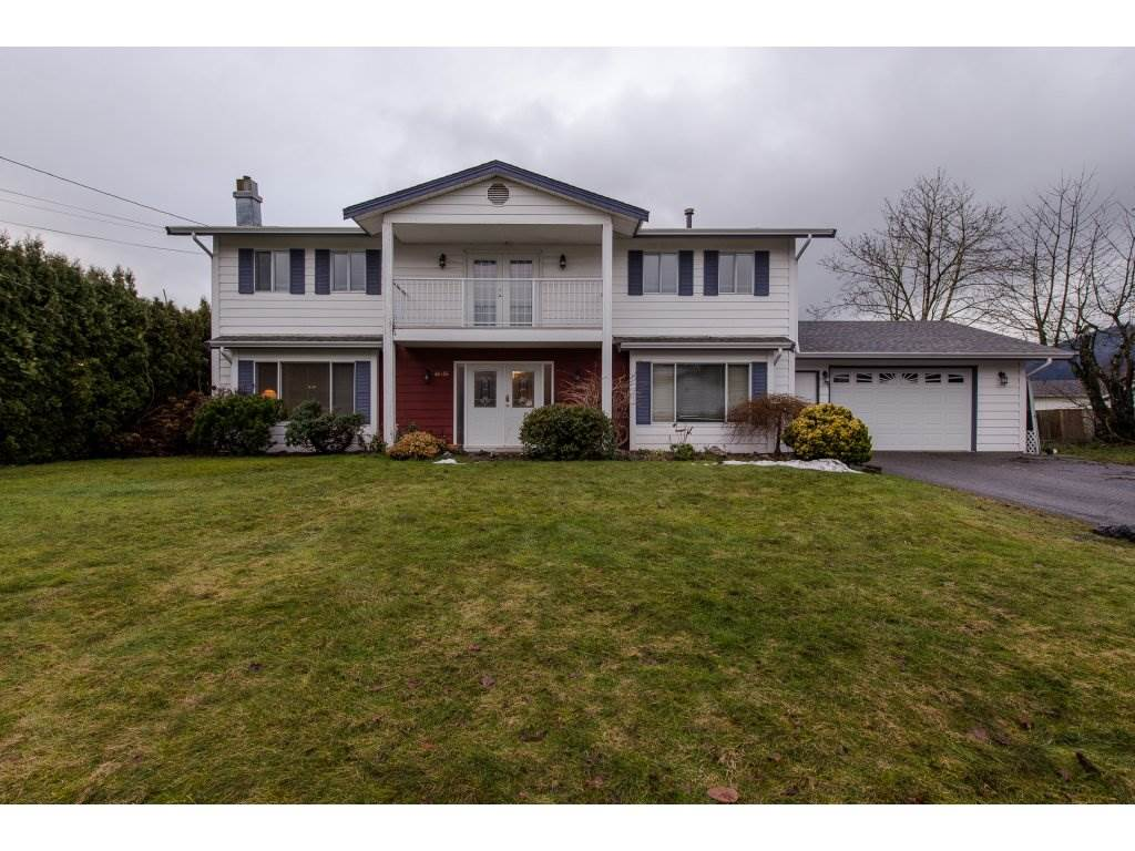 "Main Photo: 46456 SEAHOLM Crescent in Chilliwack: Fairfield Island House for sale in ""Fairfield Island"" : MLS® # R2233541"
