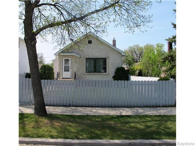 Main Photo:  in Winnipeg: East Kildonan Residential for sale (North East Winnipeg)  : MLS® # 1613040