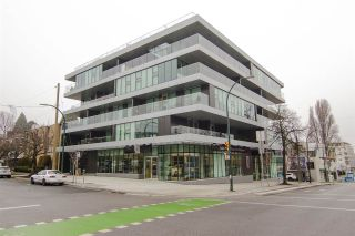 "Main Photo: 402 1819 W 5TH Avenue in Vancouver: Kitsilano Condo for sale in ""West Five"" (Vancouver West)  : MLS® # R2230290"