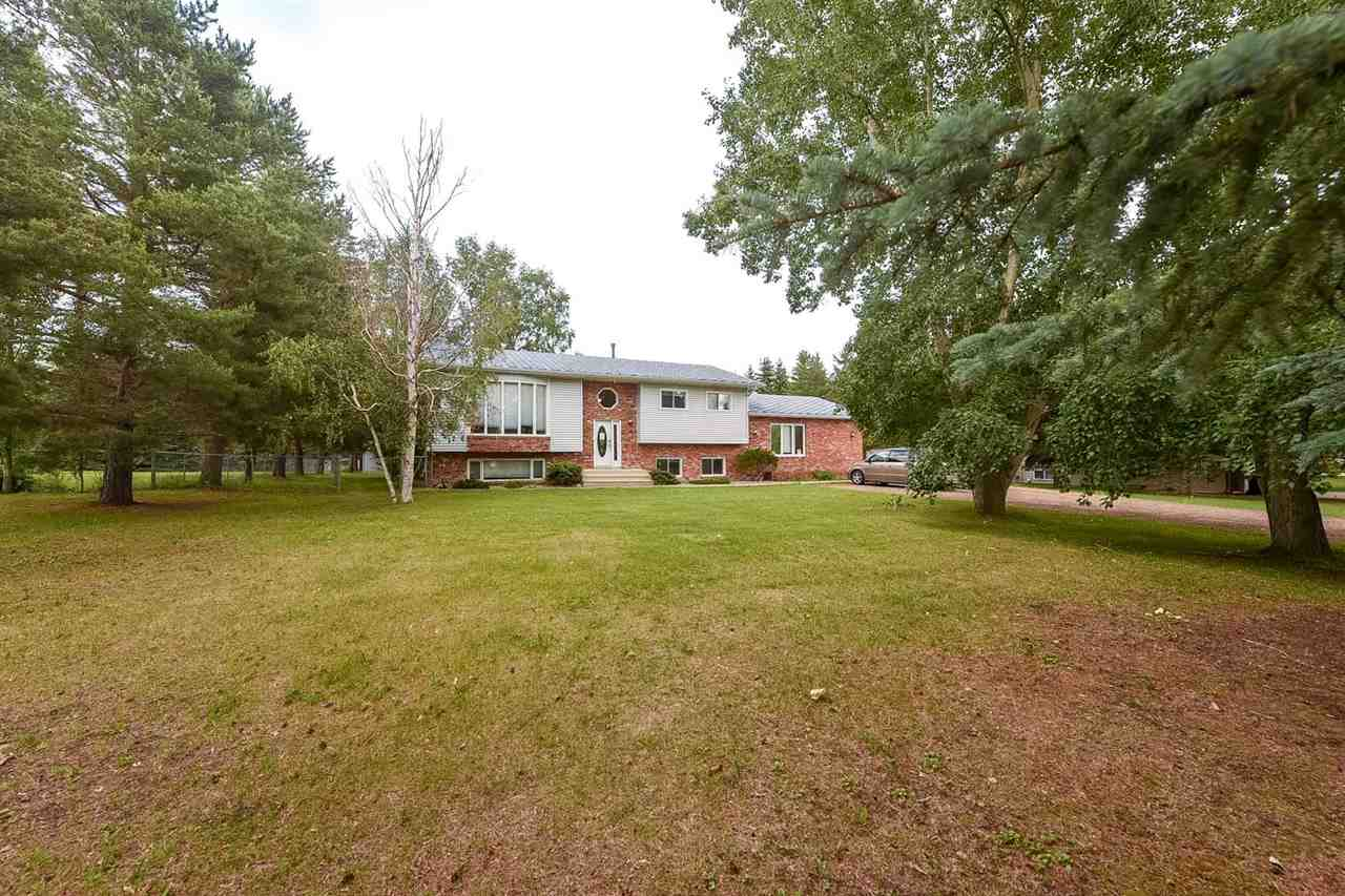 Main Photo: 136 Arcand Lane: Rural Sturgeon County House for sale : MLS®# E4119313
