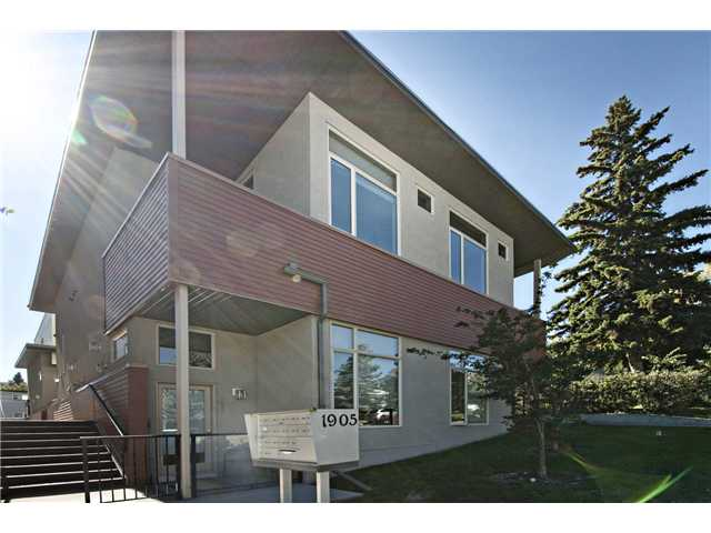 Main Photo: 110 1905 27 Avenue SW in CALGARY: South Calgary Townhouse for sale (Calgary)  : MLS® # C3636189