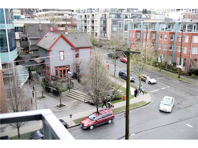 "Photo 8: 605 587 W 7TH Avenue in Vancouver: Fairview VW Condo for sale in ""THE AFFINITY"" (Vancouver West)  : MLS® # V1117685"
