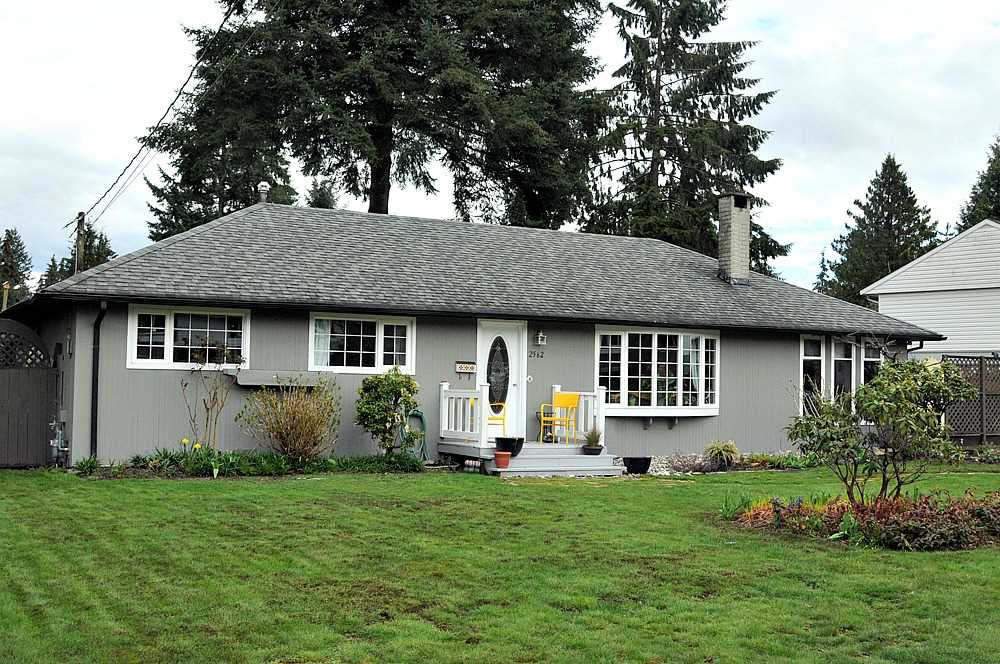 FEATURED LISTING: 2562 POPLYNN Drive North Vancouver